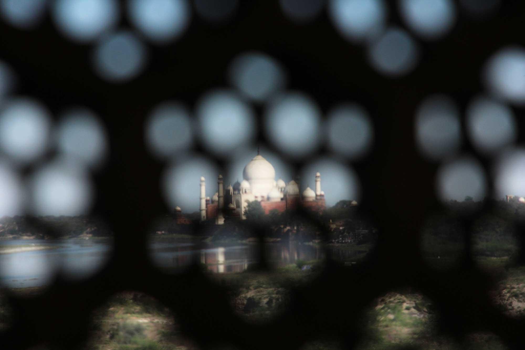 Гледка към Тадж Махал