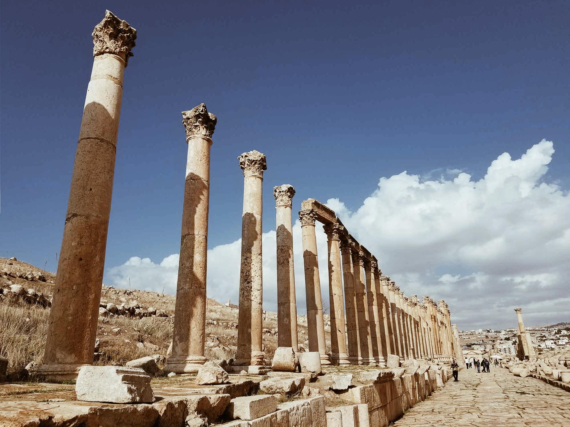colonnade, gerasa, jerash