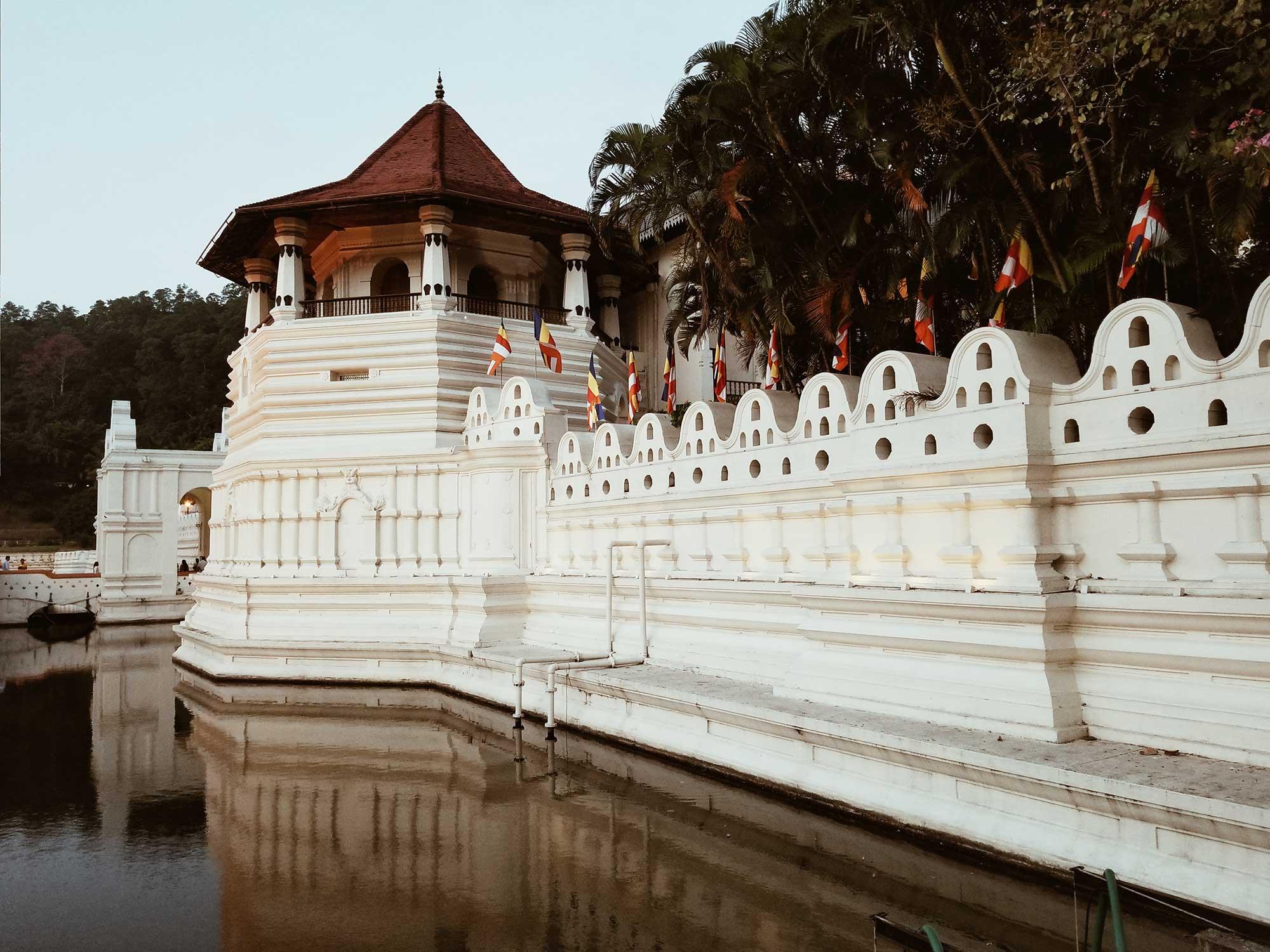 канди, свещен зъб, храм