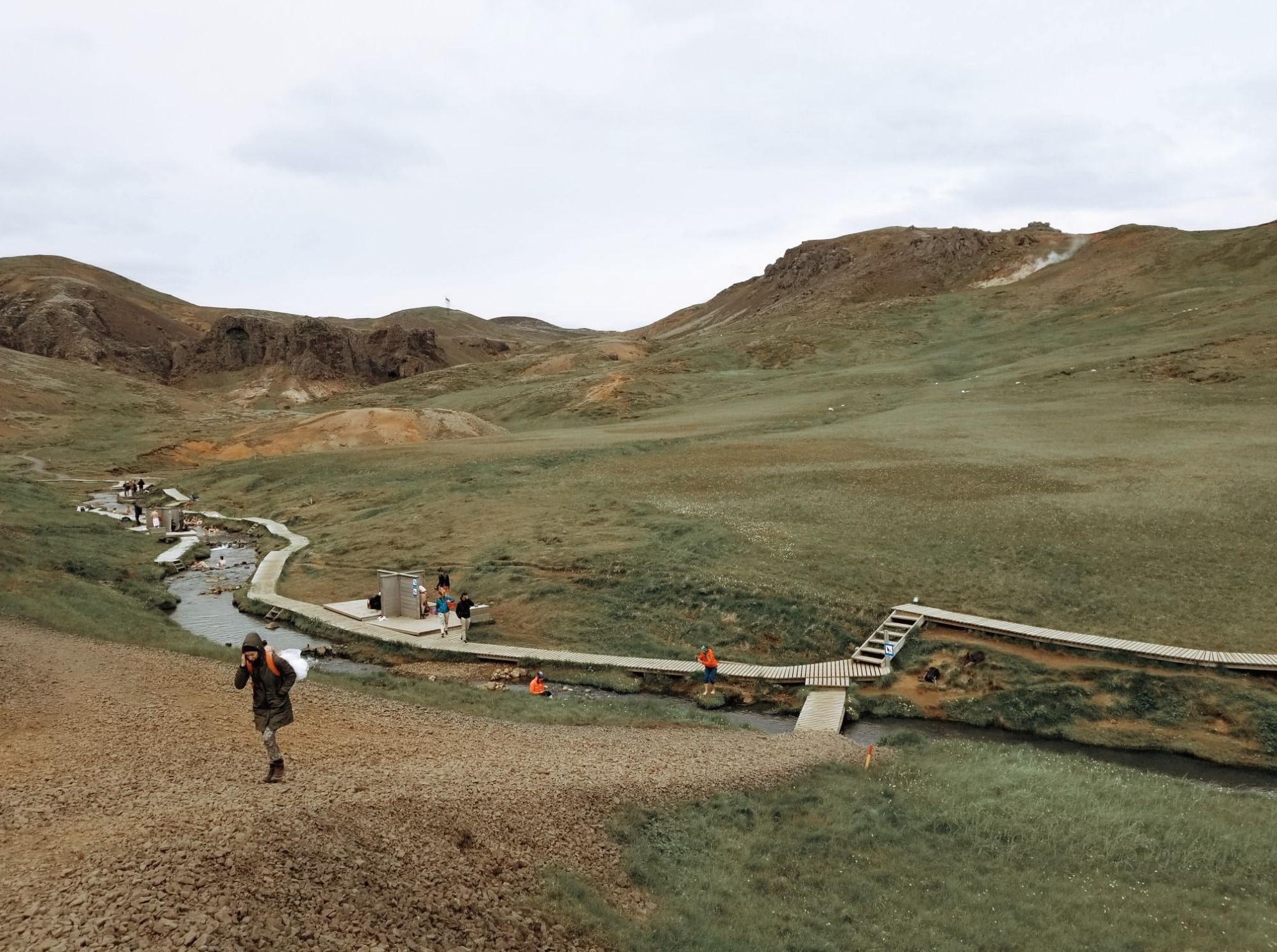 Горещата река Reykjadalur